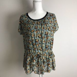 Cute light teal top with flowers